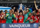 """Drāma Francijas kausā: """"Angers"""" pēdējā minūtē iesit savos vārtos, triumfē PSG"""