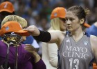 Visu laiku uzvarām bagātākā WNBA spēlētāja paziņo par karjeras beigām