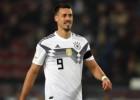 """Vāgners paziņo par vēlmi ziemā atgriezties """"Bayern"""", Dortmunde atkal atstādina Obamejangu"""