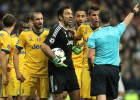 Bufonam par tiesneša kritizēšanu UEFA piešķir trīs spēļu diskvalifikāciju