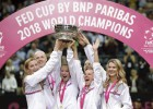 """Čehijai sestais """"Fed Cup"""" tituls astoņos gados"""