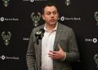 """Regulārās sezonas čempione """"Bucks"""" pagarinājusi līgumu ar ģenerālmenedžeri"""