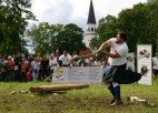 Kalniešu spēlēs Siguldā triumfē skots Sinklērs Peišens