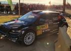 Video: Latviešu komandas pilots Spānijas WRC avarē pilsētas posmā