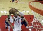 """Vestbrukam trešais <i>triple-double</i> pēc kārtas, """"Knicks"""" neizglābjas pēdējā sekundē"""