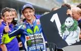 Foto: MotoGP Eiropas sezona startē ar Valentino Rosi uzvaru