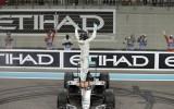 Foto: Rosbergs izcīna pirmo F1 titulu