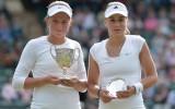 Foto: Ostapenko uzvar Vimbldonas junioru turnīrā