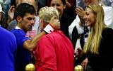 """Foto: Džokovičs atkal Federeru sakauj """"Grand Slam"""" finālā"""