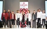 """Prezentēta Latvijas Olimpiskās delegācijas """"Phjončhana 2018"""" oficiālā tērpu kolekcija"""