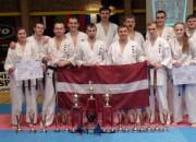 Latvijas pilna kontakta karatistiem bagātīga medaļu raža pasaules čempionātā
