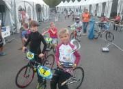 Latvijas jaunākajiem BMX braucējiem sudraba godalga un deviņi finālisti pasaules čempionātā