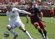 "Mančestras ""United"" uzvar Barselonu, Ibrahimovičs iesit Terijam"