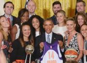 Jēkabsone-Žogota saņem čempiones gredzenu un viesojas pie Obamas