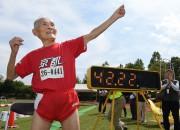 Skrējējs sasniedz pasaules rekordu, bet nav apmierināts ar rezultātu (+video)