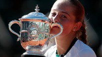 """Ostapenko emocijas un uzvaras prieks """"French Open"""" finālā"""