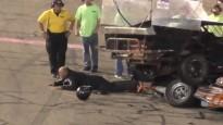 Piloti pēc avārijas sakaujas, policists pielieto elektrošoku