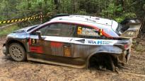Noivila un Tanaka cīņa par WRC čempiontitulu beidzas ar avārijām