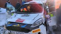 Rallija datorspēles uzvarētājs Zviedrijas WRC piedzīvo iespaidīgu avāriju