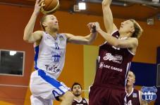 ''Barons/LDz'' spraigā cīņā uzvar Latvijas Universitātes studentus