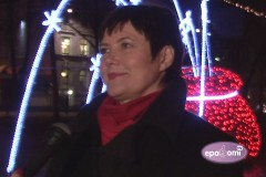 """Video: Rīgā apskatāms sestais vides objektu festivāls """"Ziemassvētku egļu ceļš"""""""