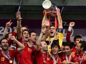 Spānija grauj un atkal triumfē Eiropas čempionātā