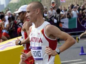 Liepājas pusmaratonā Žolnerovičs pārspēj Rozi, dāmām uzvar Bernsone