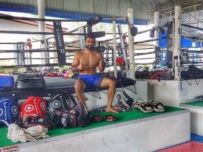 Kikbokseris Džavadovs devies uz treniņnometni Taizemē