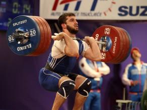 Krievijas un Ķīnas svarcelšanas izlases saņem gada diskvalifikācijas