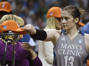"""Spēle par vietu vēsturē: """"Lynx"""" atkārto Hjūstonas triumfu"""