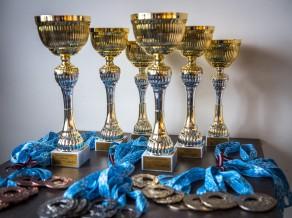 """Sporta kluba """"OB"""" komandas triumfē Rīgas čempionātā kērlingā"""