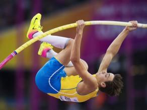 Zviedru kārtslēcējs labo pasaules U20 rekordu