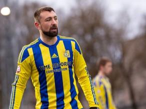 """Deviņi brīdinājumi, divas pendeles un trauma: """"Ventspils"""" uzveic čempionus"""