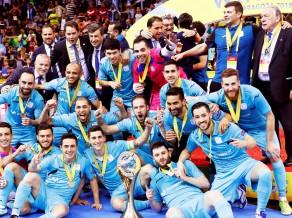 """Spānijas """"Inter Movistar"""" otro gadu pēc kārtas triumfē UEFA futzāla kausā"""
