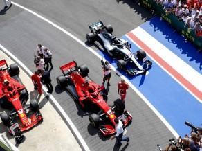 """""""Ferrari"""" jau pārspējusi """"Mercedes"""" komandu motora jaudas ziņā"""