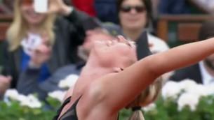Video: Šarapova triumfē Parīzē, izcīnot ceturto ''Grand Slam'' titulu