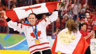 Hokeja turnīrā triumfē kanādietes