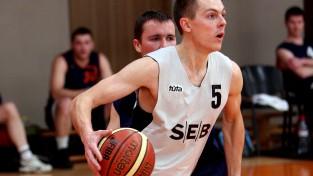 """Banku kausu ar divām uzvarām sāk """"Swedbank"""" un """"SEB bankas"""" basketbolisti"""