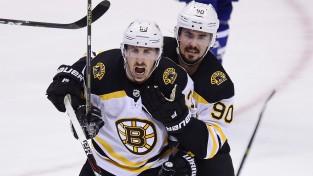 """Maršānam 2+1, """"Bruins"""" pārāka Toronto, """"Sharks"""" izrauj uzvaru spēles 92. minūtē"""