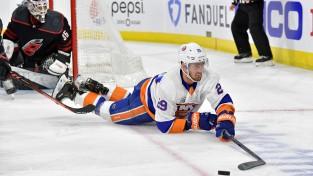 """Islanders"" centram Nelsonam 36 miljonu līgums"