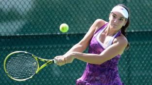 Semeņistaja uzvar turnīra pirmo numuru, ITF ceturtdaļfinālā iekļūst arī Podžus