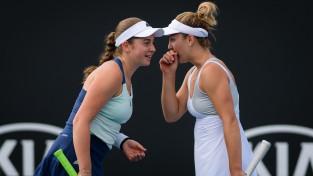 """Ostapenko pirmoreiz sasniedz """"Australian Open"""" dubultspēļu turnīra trešo kārtu"""