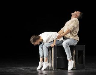 """Dailes teātrī atkal pirmizrāde - Lielajā zālē Dankana Makmillana """"ELPA"""""""