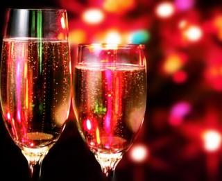 Padomi, kā ēst, dzert un tomēr svētkos būt jautram