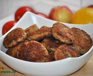 Pupiņu, gaļas un kartupeļu kotletes