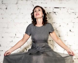 """Video: Ineta Rudzīte piedāvā G. Freidenfelda dziesmu """"Sapņojot"""""""