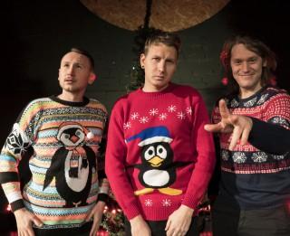 Video: Audiokvartāls latvisko Justin Bieber Ziemassvētku hītu