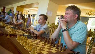 """Foto: Atklāj tradicionālo šaha festivālu """"Liepājas rokāde"""""""