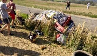 Video: Ekipāža Čehijas rallijā lielā ātrumā piedzīvo iespaidīgu avāriju