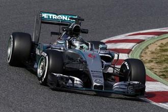 """""""Mercedes"""" komanda F1 testos izmantojusi tikai vienu dzinēju"""